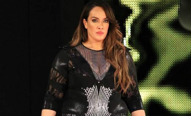 ¿Por qué Nia Jax no aparece en WWE RAW?