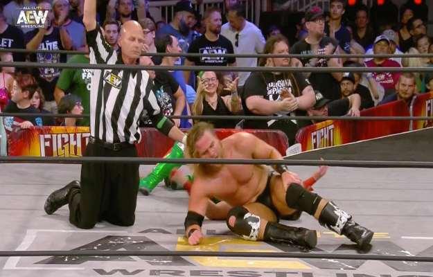 AEW Fight For The Fallen_ Hangman Page derrota a Kip Sabian