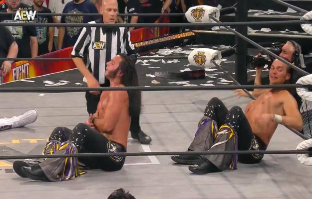 AEW Fight For The Fallen_ The Young Bucks derrotan a The Rhodes Brothers