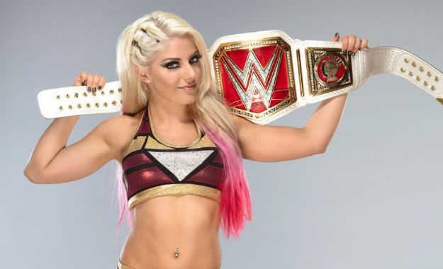 Alexa Bliss defiende su campeonato en la Elimination Chamber