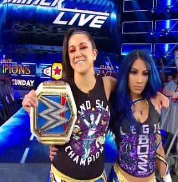 Bayley y Sasha Banks atacan a Charlotte Flair en Smackdown Live