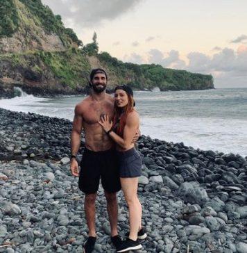 Becky Lynch y Seth Rollins se prometen
