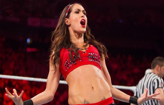 Brie Bella anuncia su retiro del wrestling en Total Bellas