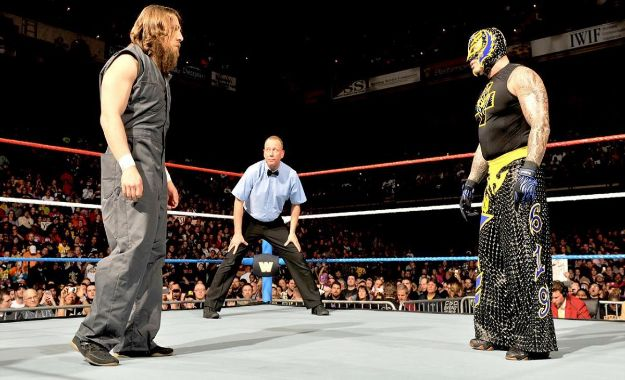 Bryan vs Mysterio