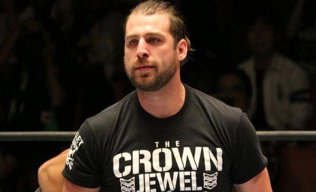 Chase Owens firma un nuevo contrato con NJPW
