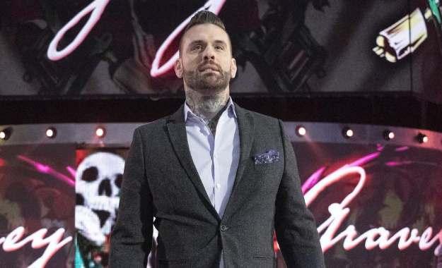 Enzo Amore trolea a Corey Graves en las redes sociales