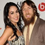 Daniel Bryan sale en defensa de su esposa Brie Bella