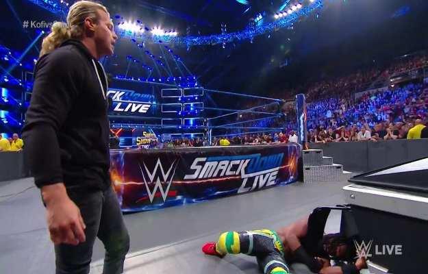 Dolph Ziggler regresa a Smackdown Live y destroza a Kofi Kingston