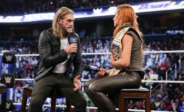 Edge habla de su trabajo personal con Becky Lynch
