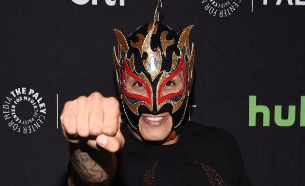Fenix dice que intenta ser como Rey Mysterio