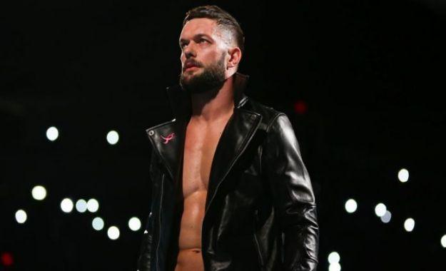 Finn Balor pide disculpas por no haber estado en el live show de Argentina