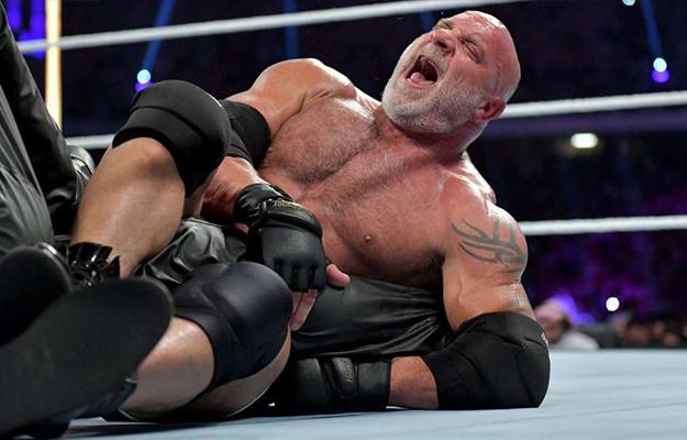 Goldberg colapsa en Super ShowDown