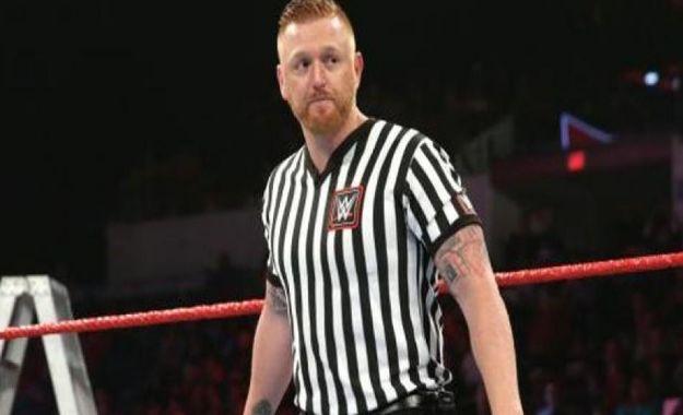 Heath Slater árbitro