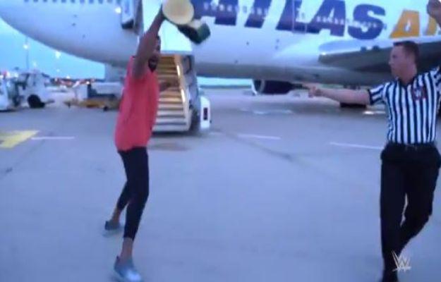 Jinder Mahal gana el WWE 24/7 Championship en el aeropuerto (vídeo)