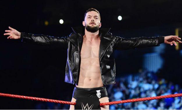 Las Estrellas siguen encendiendo Raw