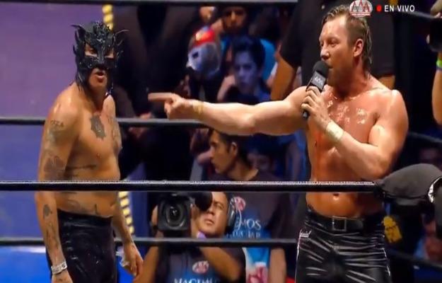Lucha por el Megacampeonato en Héroes Inmortales XIII