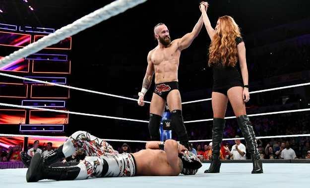 Mike y Maria Kanellis debutan en 205 Live
