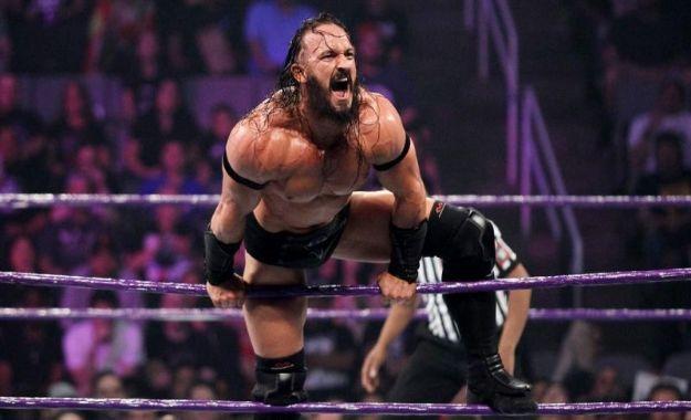 Neville fuera de WWE
