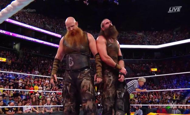 New Day gana a los Bludgeon Brothers por descalificación en SummerSlam