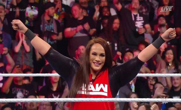 Nia Jax le da el primer punto a WWE RAW en Survivor Series