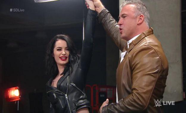 Paige deja de ser general manager de SmackDown Live.