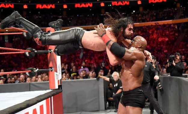 Posible razón por la rivalidad de Seth Rollins contra Bobby Lashley