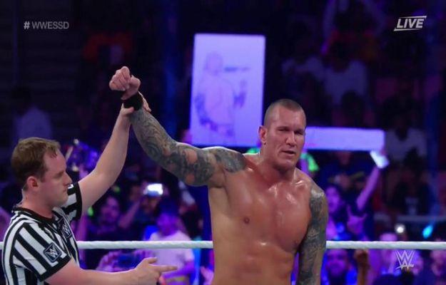 Randy Orton derrotó a Triple H en WWE Super Show Down