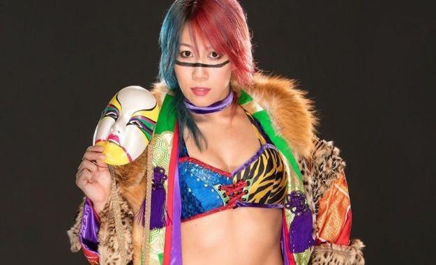 ¿Por qué WWE está manteniendo alejada a Asuka de los shows televisados?