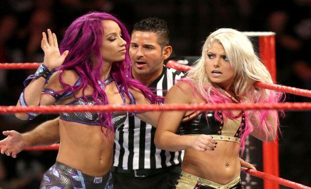 Revelado el motivo de la pelea entre Alexa Bliss y Sasha Banks del 2017