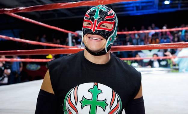 Rey Mysterio explica por qué cedió a perder su máscara en WCW