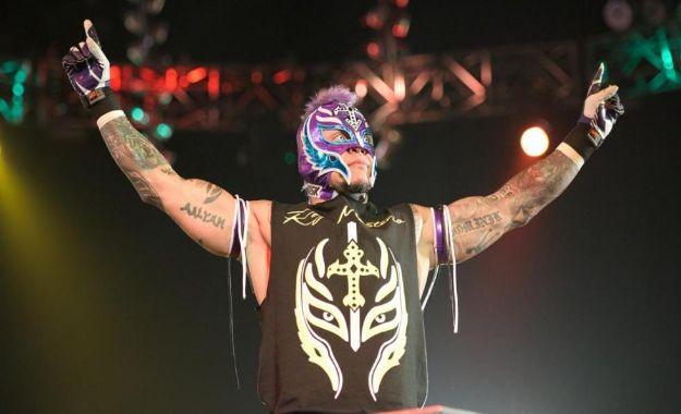 Rey Mysterio regala el WWE USA Championship a Samoa Joe. ¿Qué pasará ahora?
