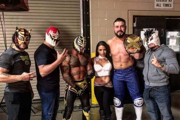 Rey Mysterio talento latino WWE