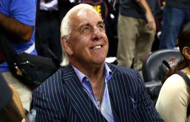 Ric Flair está impresionado con el trabajo de Baron Corbin