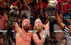 SAnitY han ganado los títulos en NXT Takeover Brooklyn