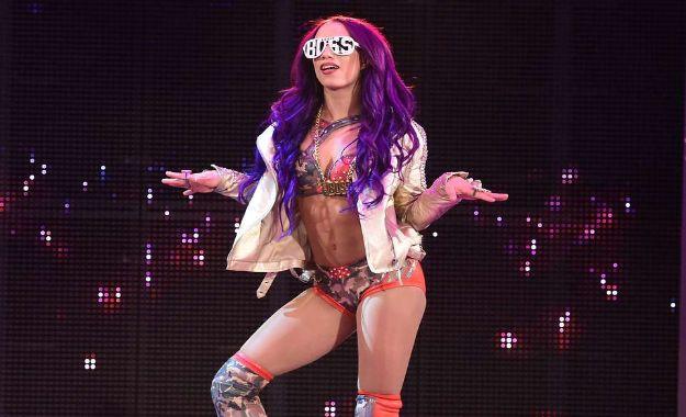 Sasha Banks reacciona a estar fuera de la cartelera de Extreme Rules 2018