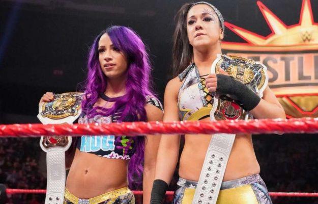 Sasha Banks y Bayley engañadas por WWE