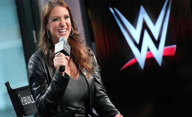 Stephanie McMahon confirma que el PPV Evolution será anual