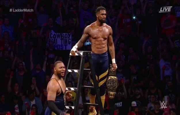 Street Profits son los nuevos NXT Tag Team Champions en Takeover XXV
