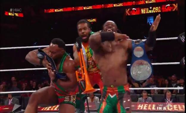 The New Day retienen los campeonatos por parejas de Smackdown en Hell in a Cell