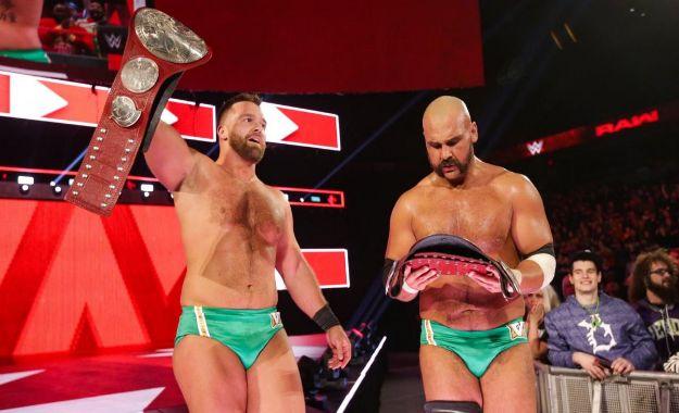 The Revival campeones por parejas de RAW