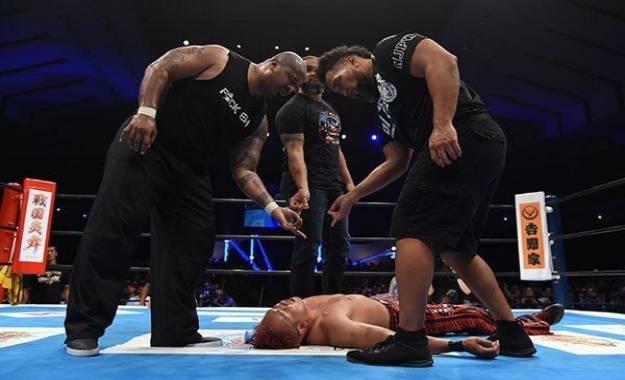 Jay White se une al Bullet Club OGs