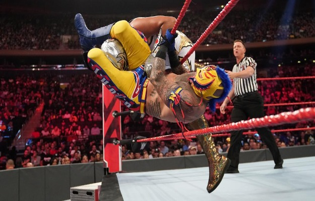 Videos WWE RAW