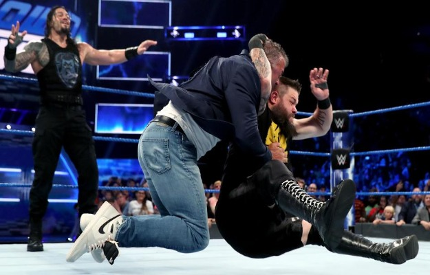 Videos WWE SmackDown Live