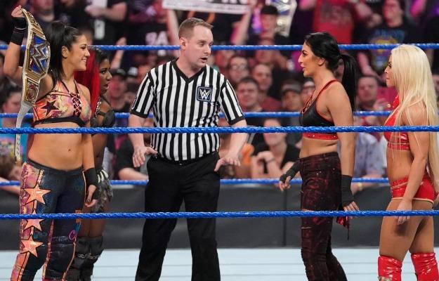 Videos WWE SmackDown Live
