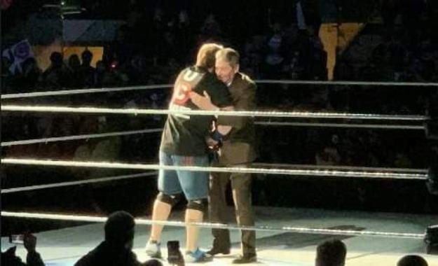 Vince McMahon apareció en el Live Show del Madison Square Garden para presentar el regreso de John Cena