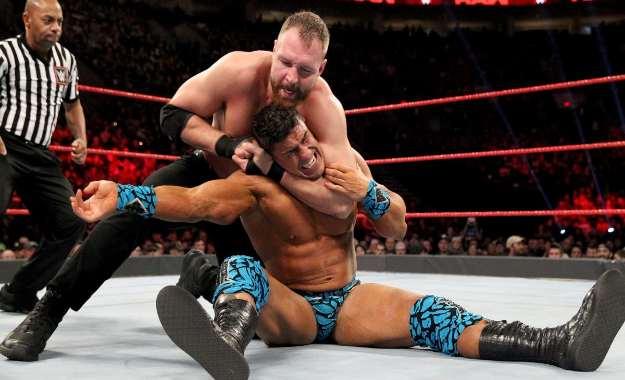Dean Ambrose se salta el guión en RAW