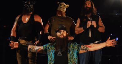 Wyatt Family haciendo su pose en WWE