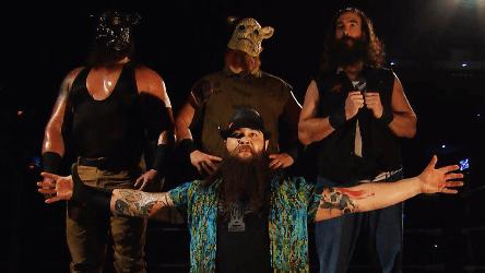Wyatt Family haciendo su pose en WWE