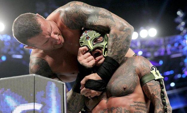 WWE máscara vs cabellera