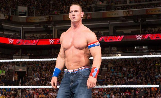 John Cena sufre una lesión